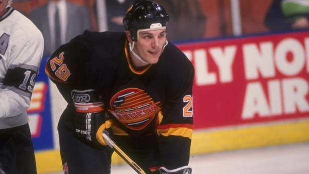 WWYDW: Who should go into Canucks' the Ring of Honour next?
