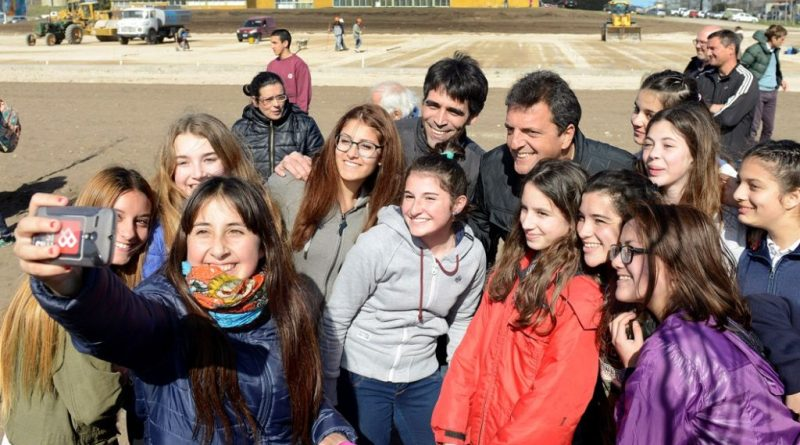 El diputado nacional Sergio Massa estuvo en Necochea donde participó de diferentes actividades junto al intendente local Facundo López.