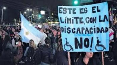 Plaza de Mayo, movilización y protestas por la atención del estado hacía las personas con discapacidad.