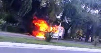 , Cañuelas espectacular Incendio de una camioneta en Av. Del Carmen al 2300., Cañuelas Noticias - Noticias de Argentina