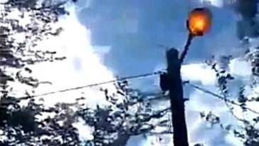 """Ver """"Cañuelas Edesur en  Vicente Casares hay usuarios sin energía eléctrica por la Escuela 17."""" en YouTube"""
