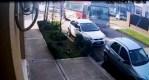 Cañuelas Colectivo escolar embiste a un automóvil estacionado se da a la fuga.