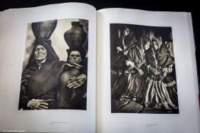 Aguadoras de Montehermoso. 1931 y Lagarteranas en misa. 1920-1923.
