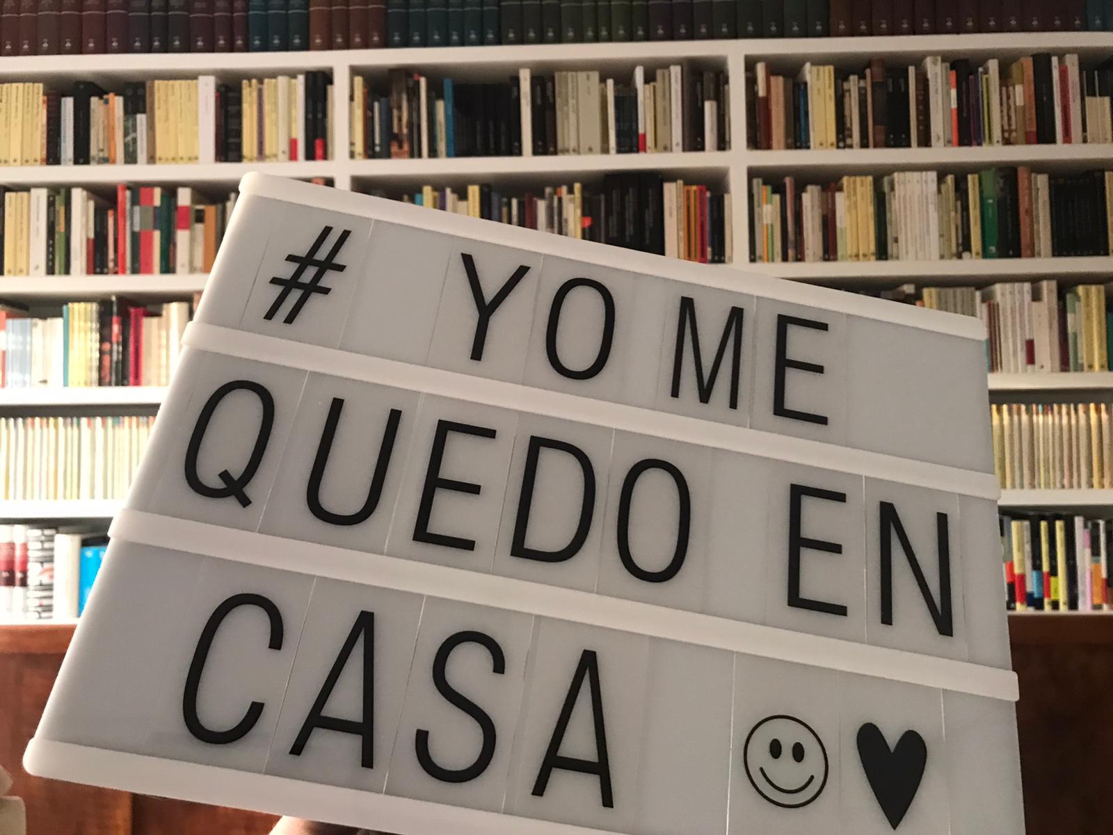 Con mis libros,.