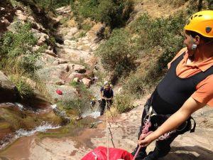 Surveillance d'un rappel durant le canyon de Tazitounte.