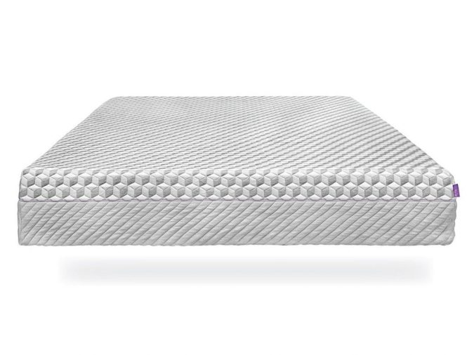 The Layla Mattress Combines A Copper Infused Top Layer With Thermos Gel Cover To Keep Body Cool It Differs From Other Mattresses In That Is