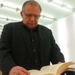 """Óscar Lobato: """"El primer relato que escribí fue la historia de una evasión"""""""