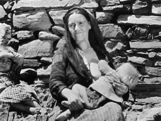 Una escena de 'Las Hurdes. Tierra sin pan', de Luis Buñuel.
