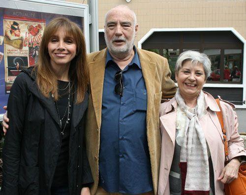 Roberto Bodegas, junto a las actrices Ana Belén y Tina Sáinz.