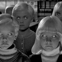 'El pueblo de los malditos' (1960) o el mundo en vísperas de la revolución sexual