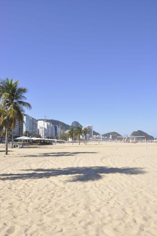 J+4 Un foot avec des brésiliens sur la plage de Copacabana