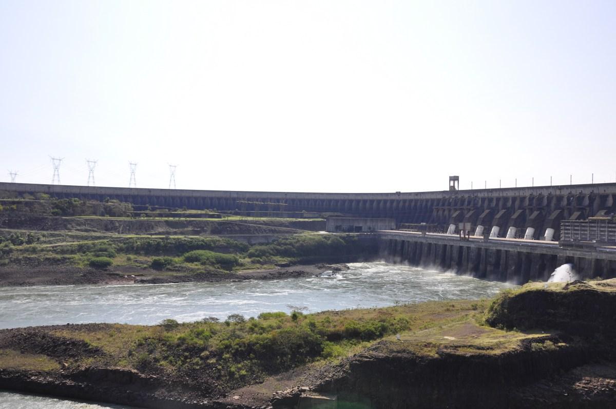 J+16 Au sommet du plus grand barrage du monde