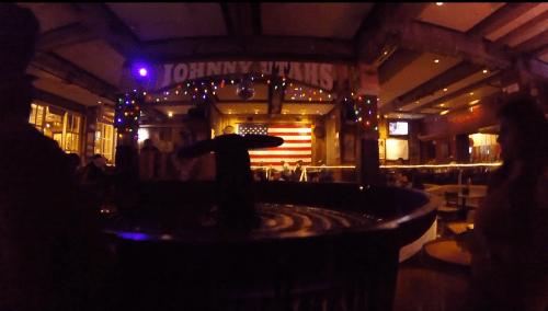 J+174 Du rodéo dans un bar country !