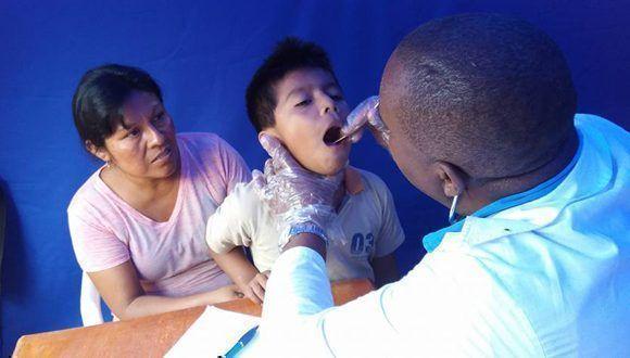 Más de mil 855 millones de pacientes asistidos por médicos cubanos en el mundo