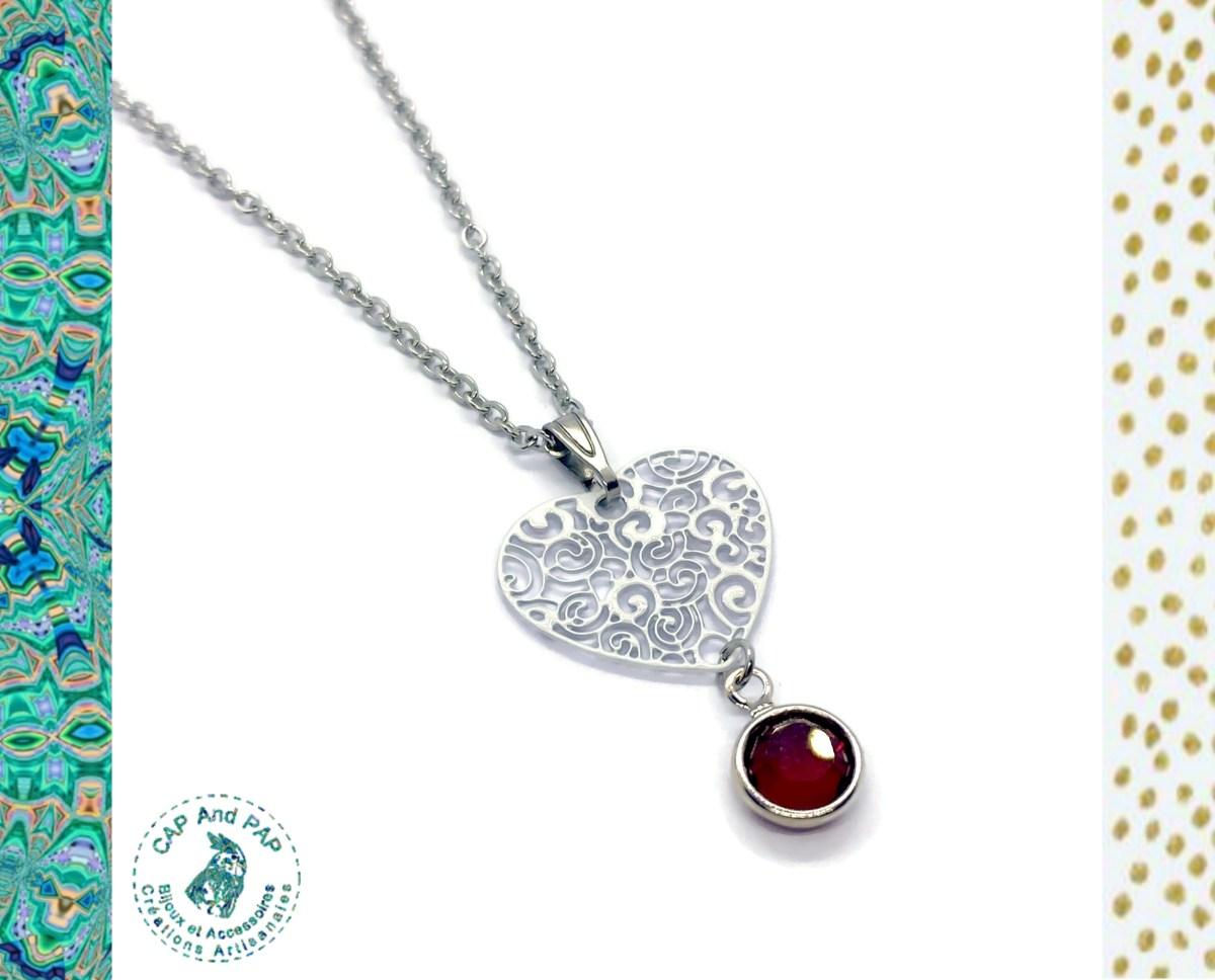 Pendentif coeur blanc filigrané et cristal de Swaroski rouge