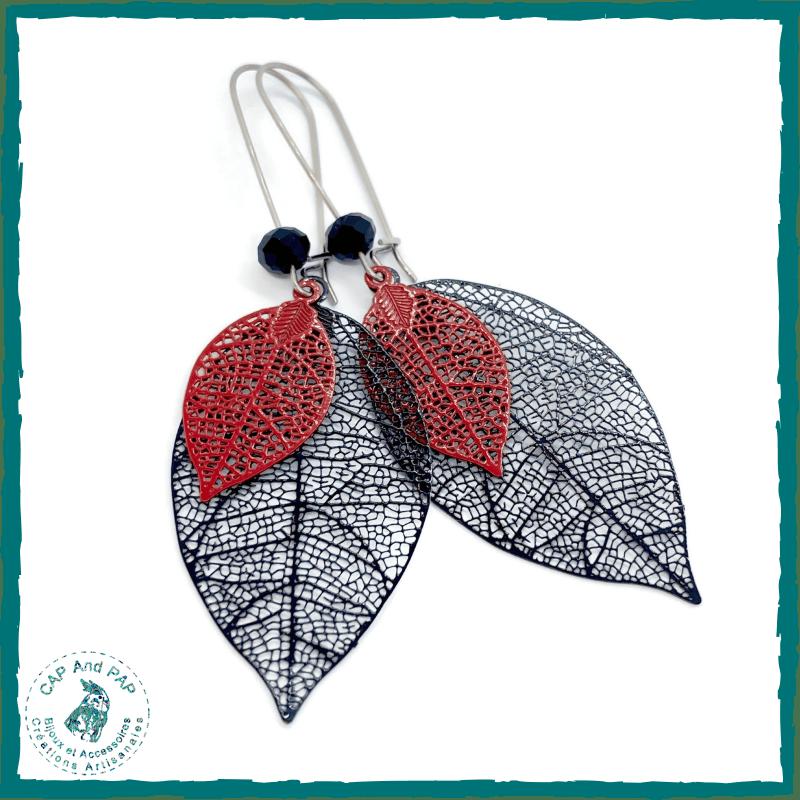 Boucles d'oreilles feuilles en métal noires et rouges