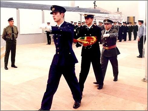Macau - Cadetes com a bandeira portuguesa durante a Cerimónia de Transferência de Poderes