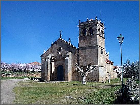 Igreja Matriz de Almendra