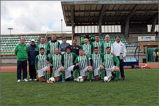 A equipa de veteranos do Rio Ave no Estádio do Sabugal
