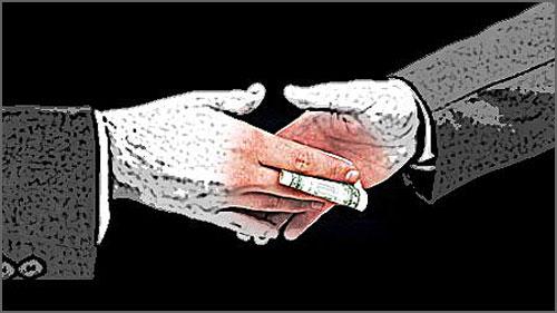 Cada vez é maior a corrupção e a entrada de dinheiro ilícito na vida política