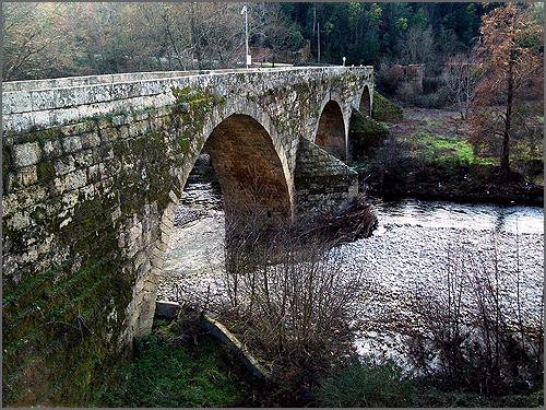Ponte de Valhelhas sobre o rio Zêzere