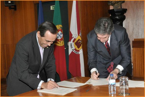 Assinatura do Protocolo - Álvaro Amaro e Pedro Machado - Capeia Arraiana