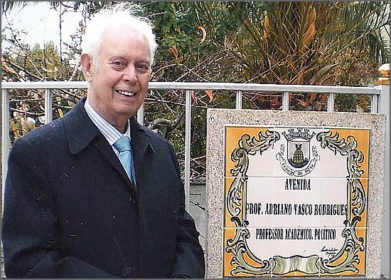 Professor Adriano Vasco Rodrigues