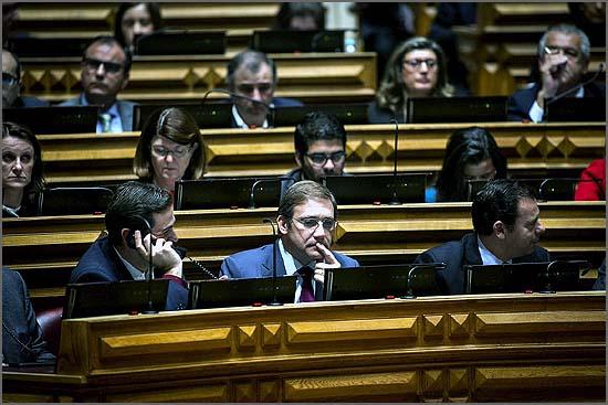 Passos Coelho na bancada da oposição
