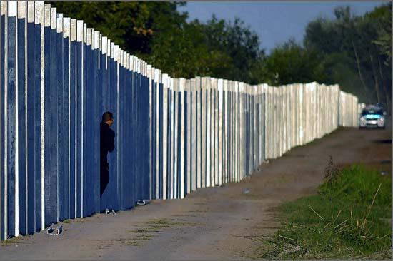 O muro da Hungria construído para travar a vaga de refugiados