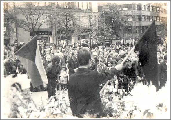 Vigílias contra a Invasão na Praça S. Venceslau - Capeia Arraiana