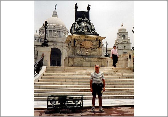 Victoria Memorial Temple e Catedral de S. Paulo em Calcutá