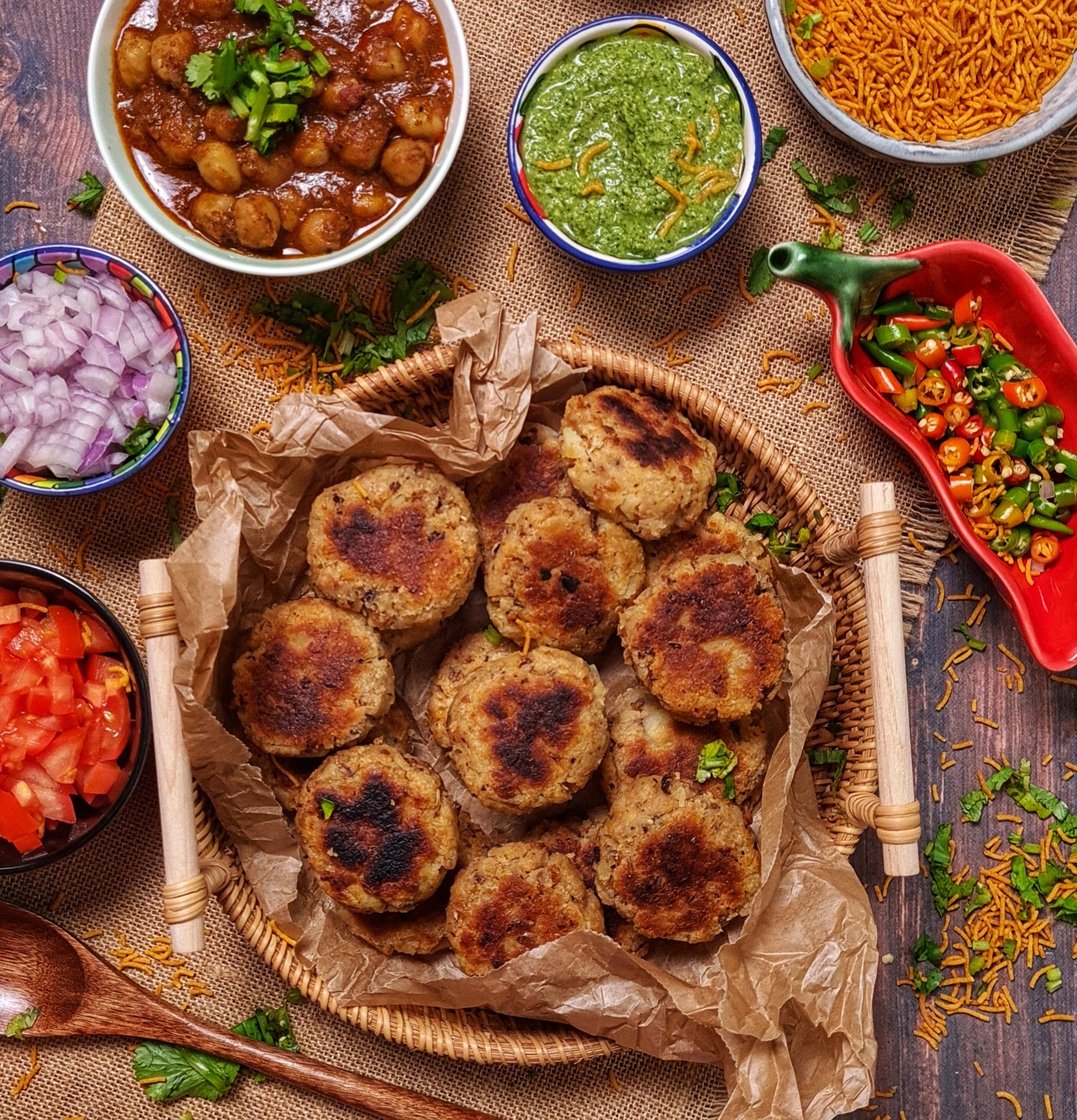 Aloo Tikkis (Potato Cakes)