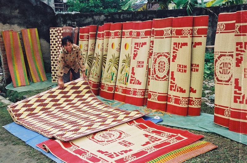 Thuyết minh về một sản phẩm mang bản sắc văn hóa dân tộc (chiếu cói Việt  Nam) | Văn mẫu lớp 8