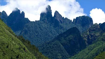 Top 10 ngọn núi đẹp bạn nên khám phá