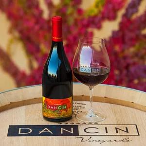 DANCIN Vineyards Label