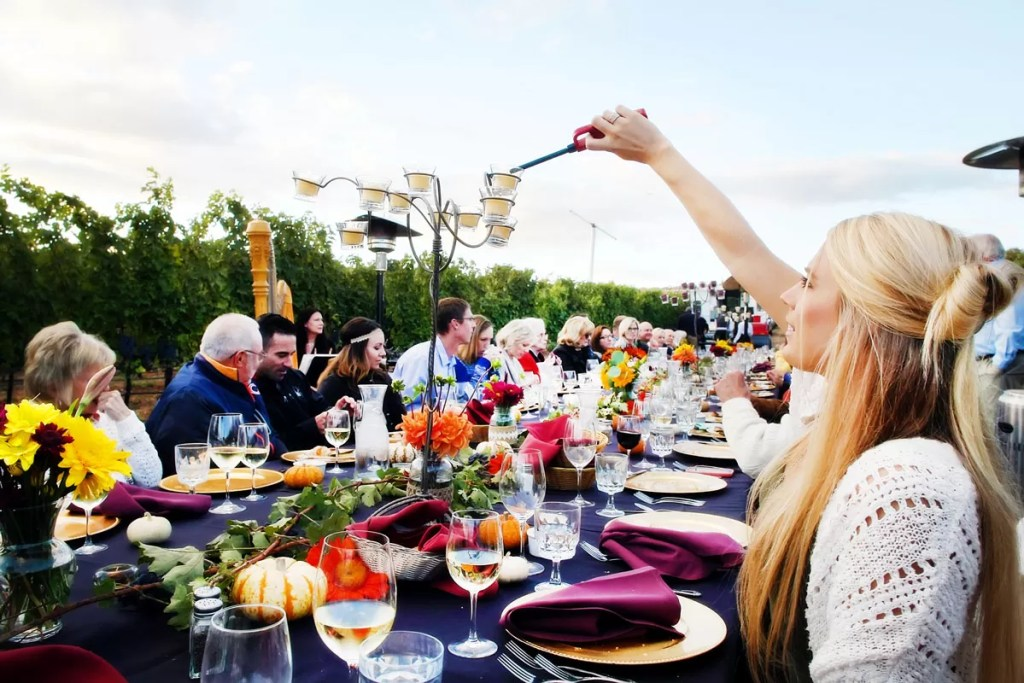 RoxyAnn Vineyard Wedding Dinner