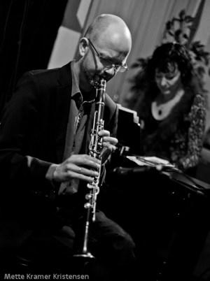 Jesper & Lis performing 'Home Jazz'