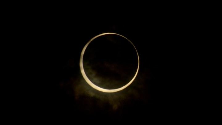Eclipse solaire à Tokyo, Japon