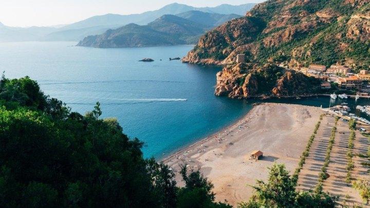 Visiter toute la Corse en voiture de location