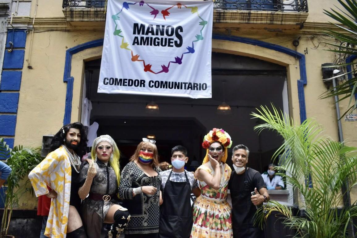 Una mano LGBT+ en la CDMX