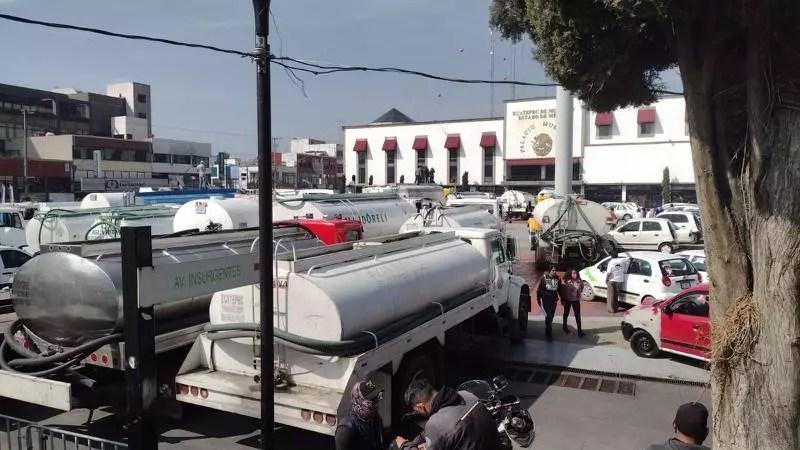 Paralizan vialidades en Ecatepec por manifestación