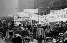 Estudantes contra a ditadura. (foto: Evandro Teixeira)