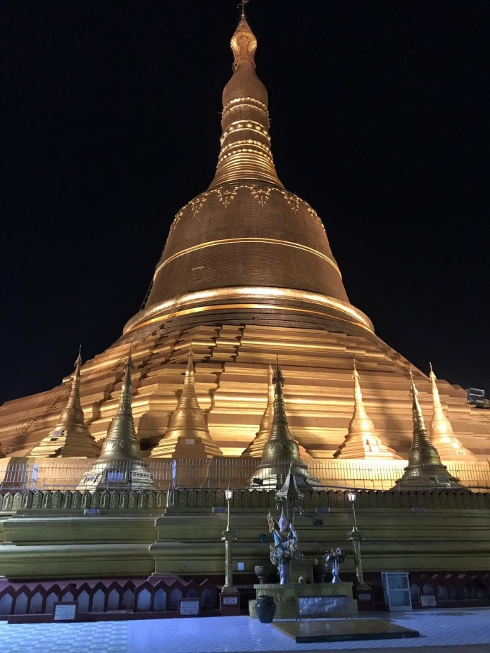 30_Shwedagon_Pagoda_em_Yangon_by_Carlos_Martins