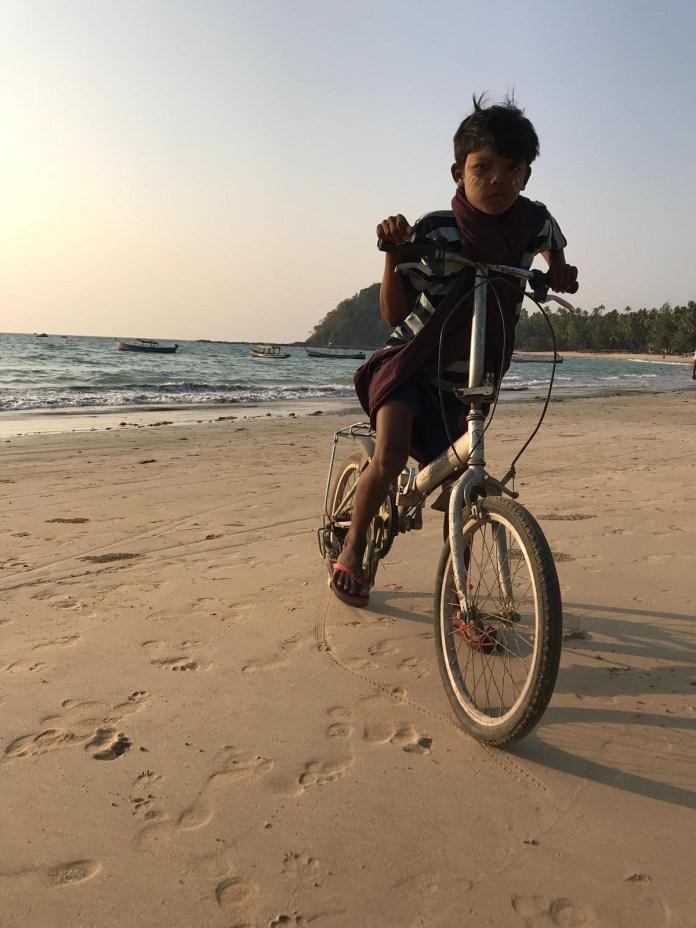 42_Ngapali_beach_Carlos_Martins