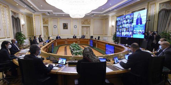 رئيس الوزراء يشدد على تطبيق الغرامات الفورية لمخالفي الإجراءات الاحترازية لكورونا