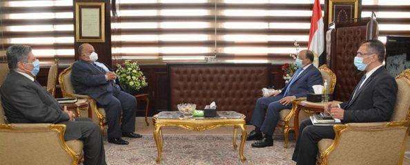 وزير التنمية المحلية يتابع جهود رفع كفاءة منظومة المخلفات الصلبة