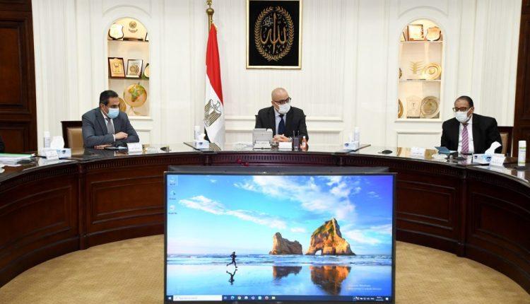 وزير الإسكان يستعرض مشروع إعادة تخطيط وتطوير المدخل الجنوبى لمدينة الجيزة