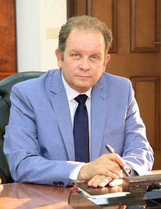 المهندس عاطر حنورة رئيس الوحدة المركزية للمشاركة مع القطاع الخاص بوزارة المالية