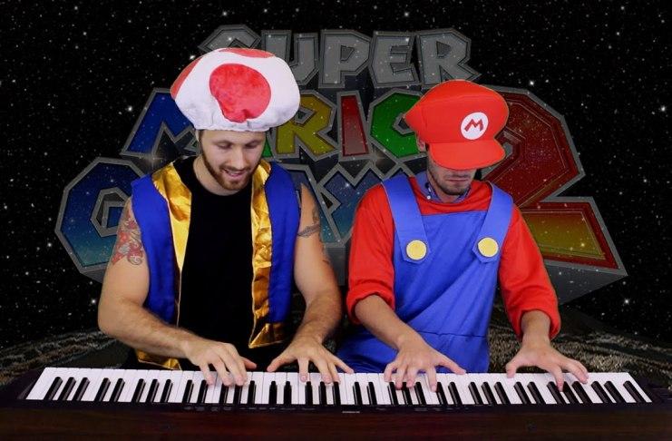 Super Mario Galaxy 2 Final Bowser Battle Piano Dueto por Heyde & Tedesco