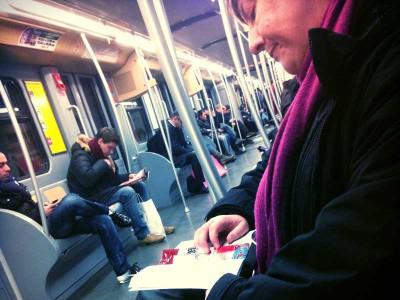 leggendo-metro-1